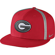 Nike Men's Georgia Bulldogs Red Champ Drive True Snapback Hat