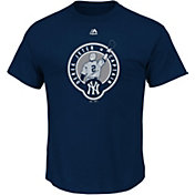 Majestic Men's New York Yankees Derek Jeter Jersey Retirement Navy T-Shirt